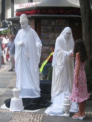 Estátuas humanas na praça Antônio Prado - 11/12/2003