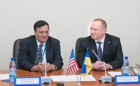 Holtec's President and CEO, Dr. Kris Singh (Left) and Energoatom's President, Yuriy Nedashkovsky, Reprise the Progress of the CISF Project (Right)