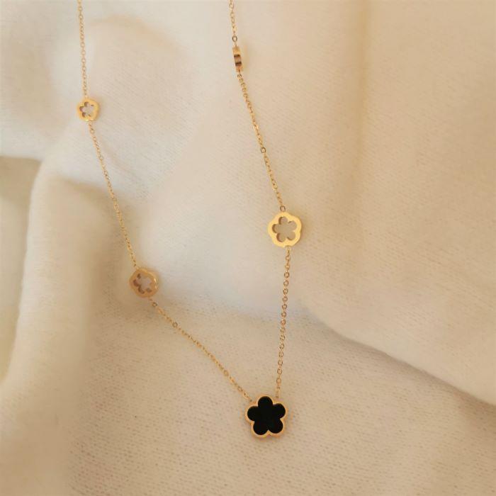 collier pendentif fleur noire