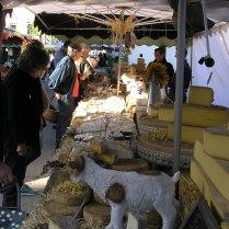 french farmers market en plein air!