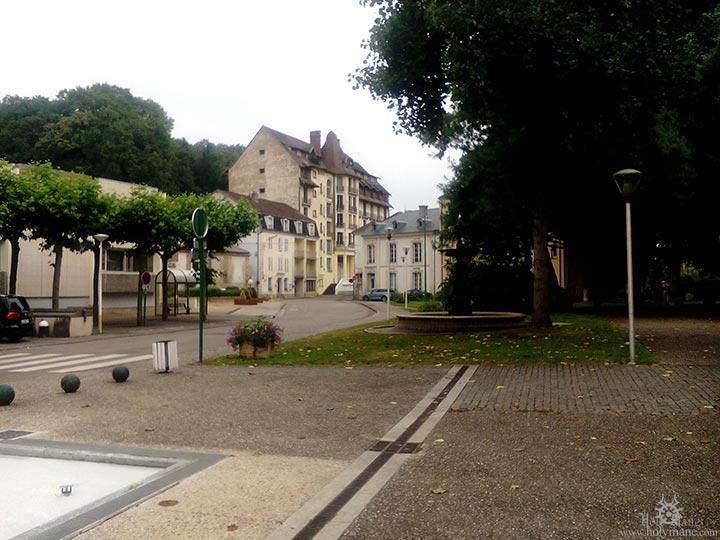 1608_bourb_rue2
