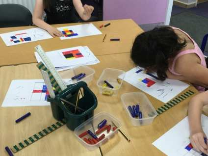 Decorating Mondrian Tiles (1)