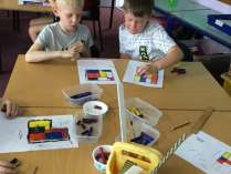 Decorating Mondrian Tiles (2)