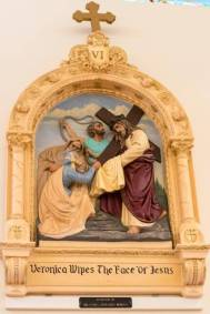 6th Station: Veronica wipes the face of Jesus