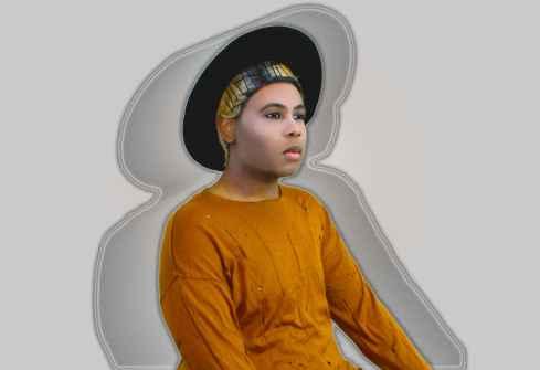 adonis-king-big-hat