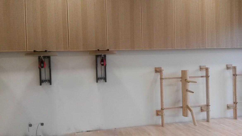 Lieferung und Montage von Boxbirnen und Holzpuppen