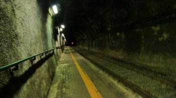 Bahnhaltestelle im Tunnel - Cinque Terre