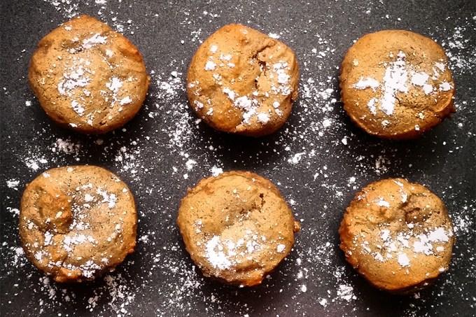 Blue Ribbon Applesauce Muffins | Homan at Home