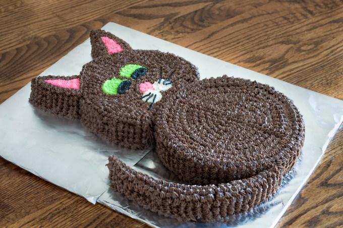 Black Cat Cut-Up Cake   Homan at Home