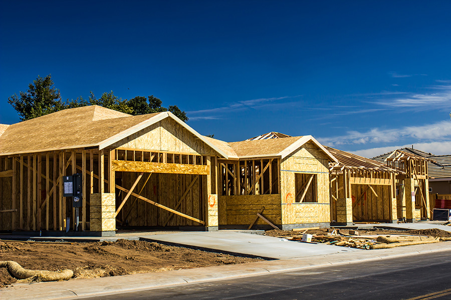 Builder Confidence Drops: Demand Strong, Supplies Expensive