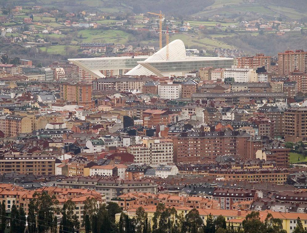 Oviedo_y_el_Palacio_de_Congresos_Princesa_Letizia