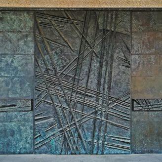 """""""Lanzas"""", puertas del Museo del ejército (Toledo)"""