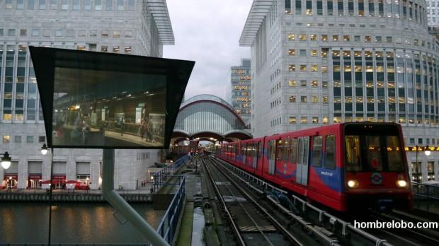 Canary Wharf, Londres, metro entre estaciones