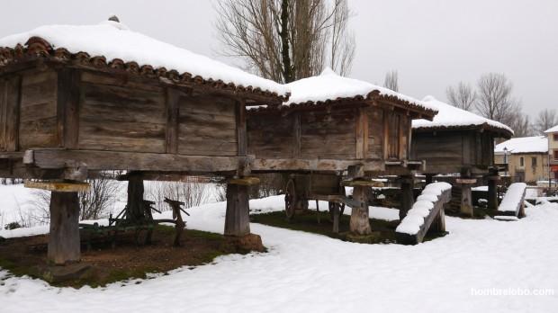 Hórreos nevados