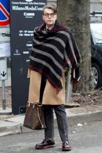 men-in-blankets-streetstyle-4