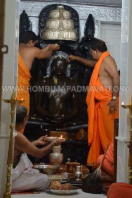 Hombuja-Jain-Math-Rathotsava-Parshwanath-Swamy-Abhisheka-05