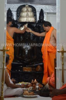 Hombuja-Jain-Math-Rathotsava-Parshwanath-Swamy-Abhisheka-06