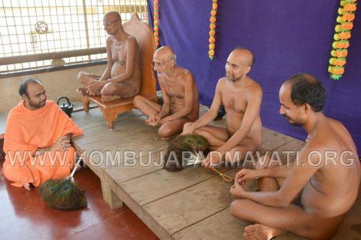Humcha-Hombuja-Jain-Math-Muni-Chandraguptasagar-Suheshsagar-Sangh-Mangala-Pravesha-0015