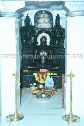Hombuja-Jain-Math-Humcha-Navarathri-Dasara-Celebrations-Pooja-Day-09-0016