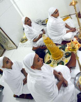 Hombuja-Humcha-Jain-Math-Deepawali-Mahavir-Mokshakalyana-Pooja-0014