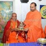 Hombuja-Humcha-Jain-Math-Visit-Nirmalananda-Swamiji-Adichunchanagiri-0018