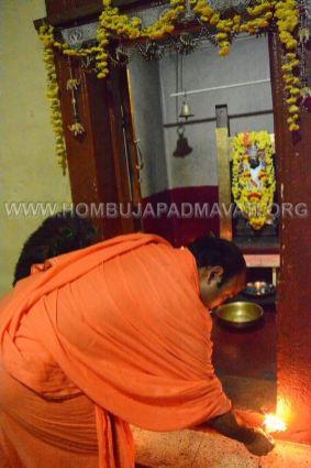 Hombuja-Humcha-Parshwanath-Padmavati-Temple-Deepotsava-0019