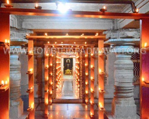 Hombuja-Humcha-Parshwanath-Padmavati-Temple-Deepotsava-0020