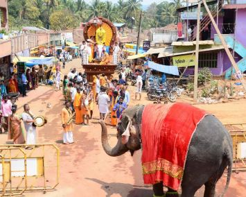 Humcha-Hombuja-Jain-Math-Rathotsava-Day-05-Okali-0018
