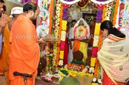 Navaratri-Dasara-Hombuja-Humcha-Jain-Math-2018-Day-01-0011