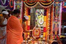 Navaratri-Dasara-Hombuja-Humcha-Jain-Math-2018-Day-01-0016
