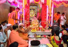 Navaratri-Dasara-Hombuja-Humcha-Jain-Math-2018-Day-07-0020