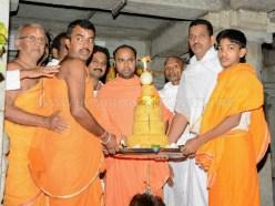 Hombuja-Humcha-Jain-Math-Deepawali-Mahavir-Mokshakalyana-Pooja-2018-0002