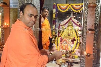 Hombuja-Humcha-Jain-Math-Parshwanath-Padmavati-Laksha-Deepotsava-2018-Day-03-0012A