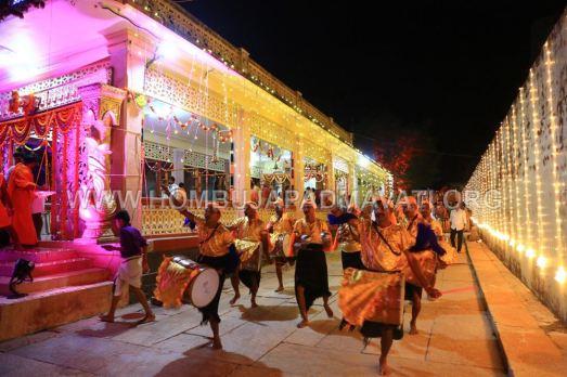 Hombuja-Humcha-Jain-Math-Parshwanath-Padmavati-Laksha-Deepotsava-2018-Day-03-0017