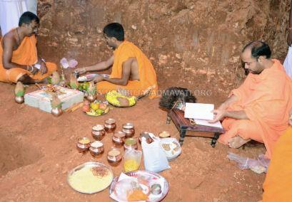 Hombuja-Humcha-Paliakkana-Basadi-Rebuilding-Bhoomi-Pooia-2018-0019