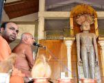 Acharya-Vardhamansagarji-Maharaj-Guddada-Basadi-Hombuja-Jain-Temple-Mastakabhisheka-0004