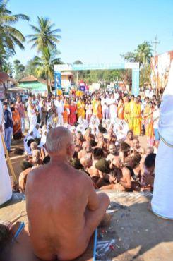 Acharya-Vardhamansagarji-Maharaj-Muni-Sangh-Hombuja-Jain-Math-Mangala-Pravesha-0008
