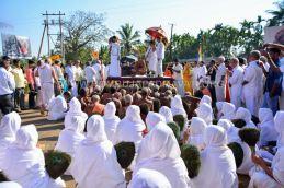 Acharya-Vardhamansagarji-Maharaj-Muni-Sangh-Hombuja-Jain-Math-Mangala-Pravesha-0011