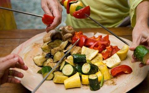 6-skewering-meat-veggies-tandoor