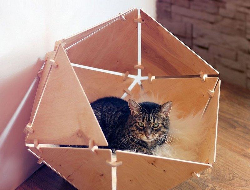 необычный фанерный домик