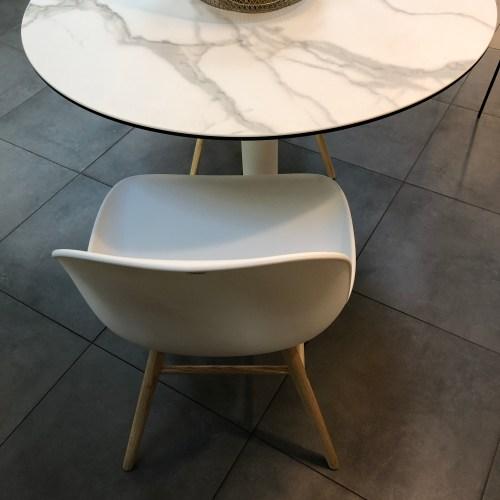 table céramique aspect marbre moblibérica scènes d'intérieur lyon