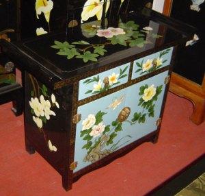 шкаф и мебель с росписью