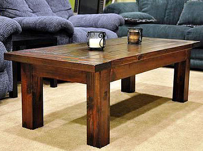 Журнальный столик из досок и бруса