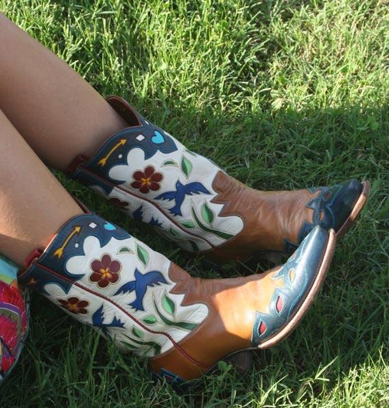 роспись обуви