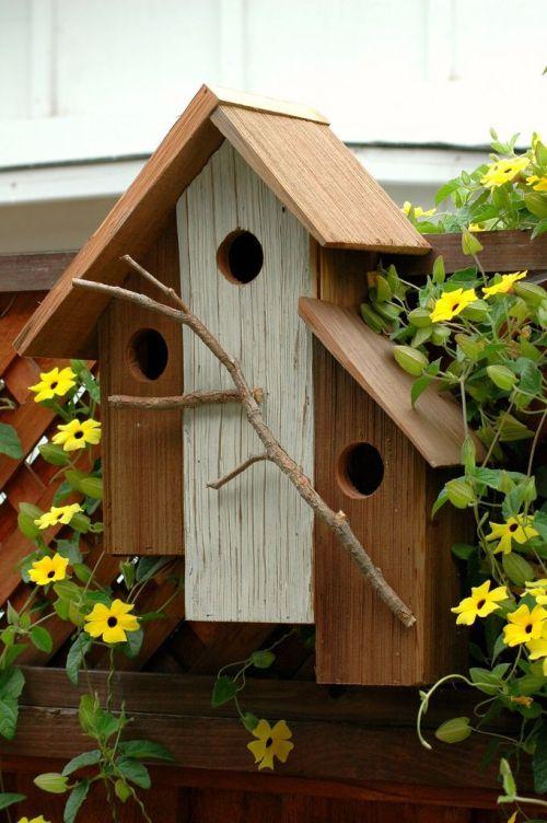Скворечник на три семьи птиц
