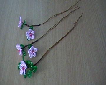 Цветочки из бисера