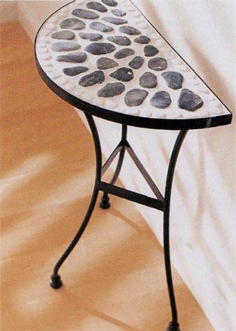 столик с камнями-галькой своими руками