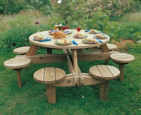Семейная скамейка со столом