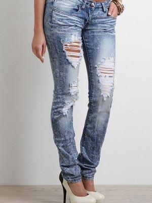 Стильные разрезы на джинсах своими руками в домашних условиях