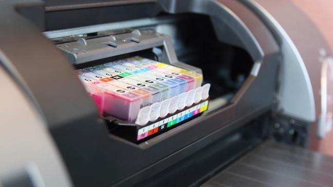 Imprimante ouverte avec cartouches d'encre
